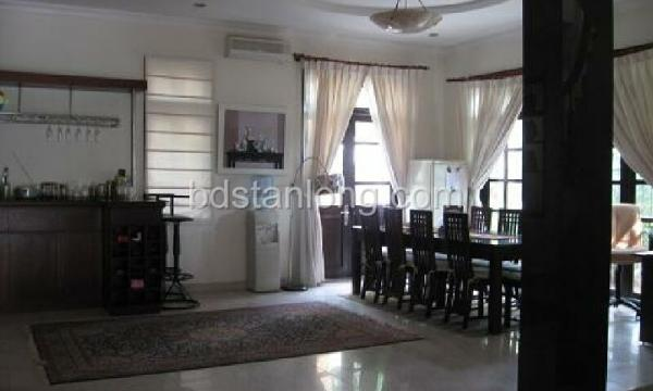 Ciputra villa for rent with 4 bedrooms at D4 (Ref: R05) 3