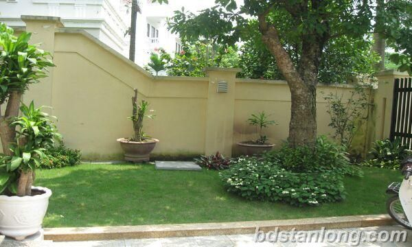 Ciputra villa for rent with 5 bedrooms with nice garden (Ref: R18)