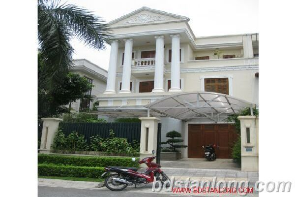 Furnished villa with 4 bedrooms for rent, Ciputra international city, Hanoi at 2500 USD (Ref: R592)